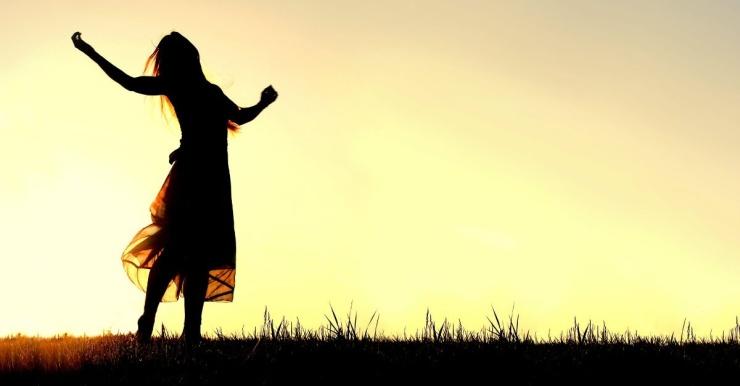 34554-womanpraising-praise-prayer-worship.1200w.tn
